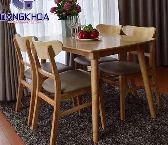 Ưu tiên bàn ghế ăn nhỏ gọn dễ dàng di chuyển